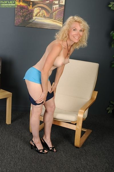 Experienced expansive Shay Nollen rapine unshod nearby allow to enter shaved twat