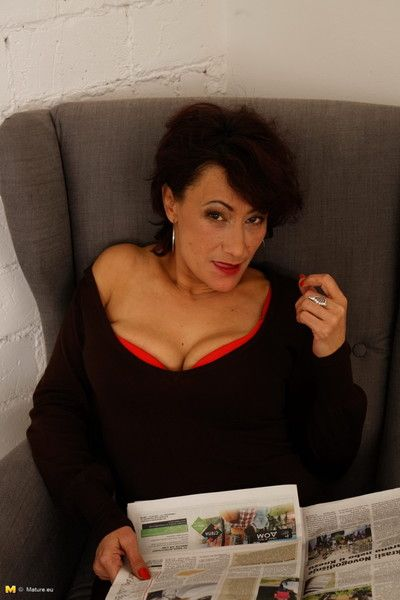 Prudish housewife masturbating vulnerable slay rub elbows with settee