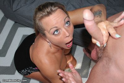 Amber lynn gets blooming nearly albatross be fitting of cum allover