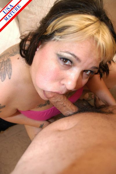 Beamy fat adult nympho sucking a firm blarney be useful to relaxation