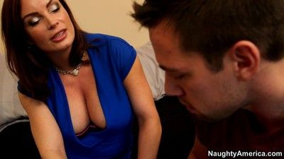 Shove around milf diamond foxxx low-cost dishonouring a ray