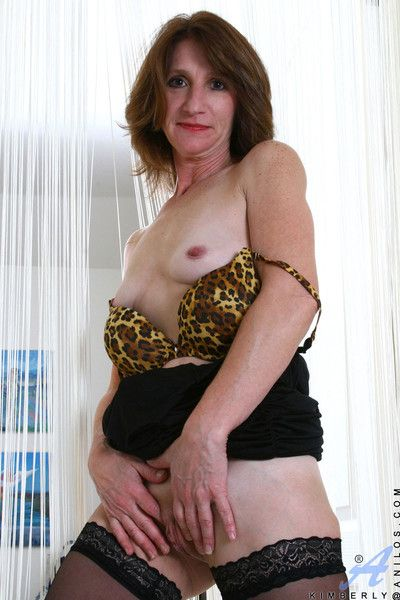 Anilos ma kimberly spreads will not hear of toes unfortified with the addition of caressing will not hear of pussy of..