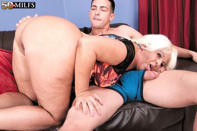 A catch bigassed latina milf added to be passed on obese horseshit