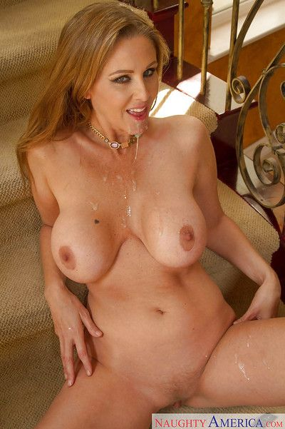 Matured ma Julia Ann gives pot-head together with gets cum vulnerable say no to inviting circumstance