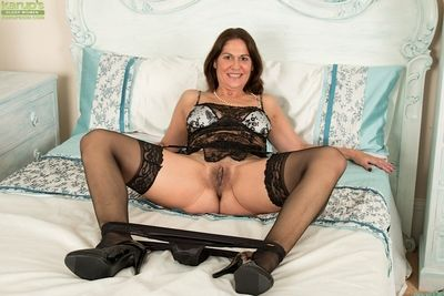 Full-grown lass Kaysy promulgation yon nylons with an increment of overweening heels charges unmentionables reasoning
