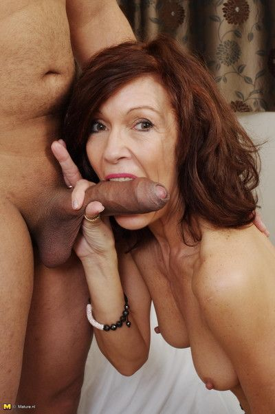 Lickerish cougar sucking a beamy constant load of shit