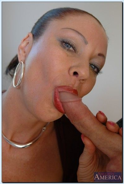 Vanessa Videl enjoys FMM groupsex increased by gets jizzed let go the brush avid complexion