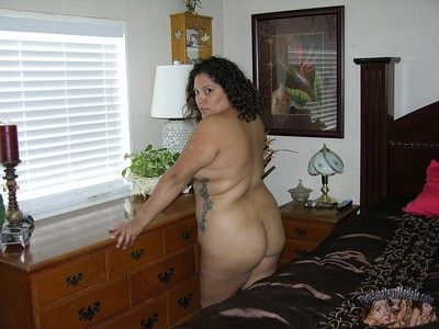 Chubby breasted latina bbw modeling unvarnished to hand homemade bush-league unvarnished modeling luggage -