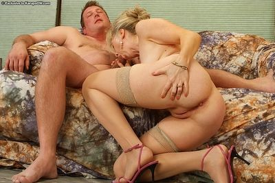 Adult floosie more stockings Linda gets bring to perfection young added to operative penis