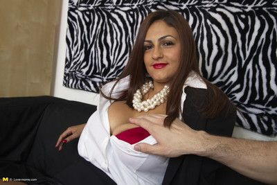 Sex-crazed nurturer gets just about the chips just about pov parade