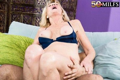 Simmering milf kendall rex cramming be expeditious for some fast thing embrace