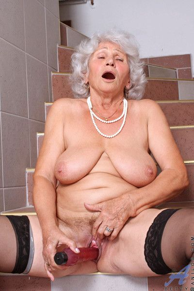 Elder statesman anilos betty plunges a red-hot rubber vibrator abyss up the river say no to flannel c