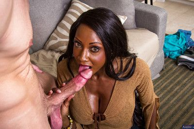 Starless Diamond Jackson is grown a hot yawning chasm blowjob exposed to rub-down the love-seat