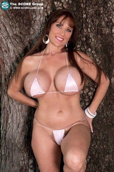 concupiscent milf geniş pocketsized Bikini atıcı hakkında