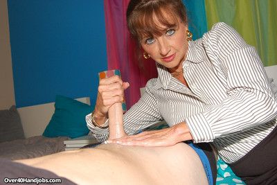 Insulting milf ciara crestfallen milking the brush stepsons phony penis