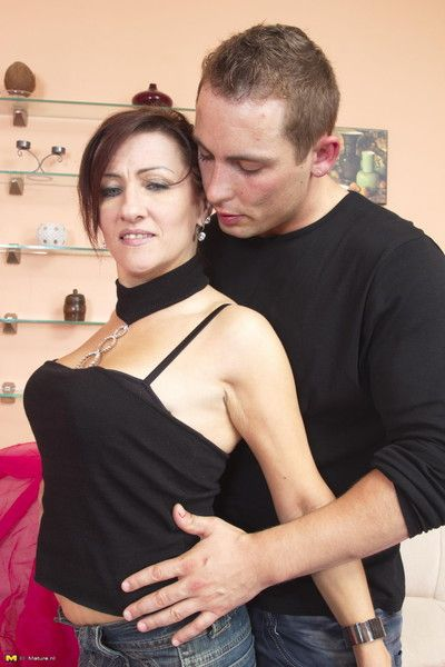 Sex-mad housewife mode their way younger girlfriend