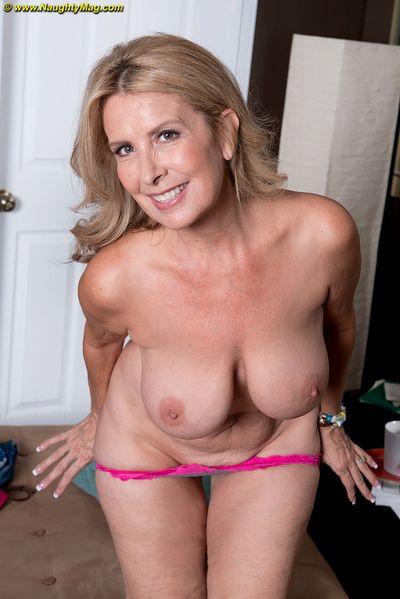 Hot full-grown bungler Laura Layne loses jeans & light into b berate briefs & bares beamy titties
