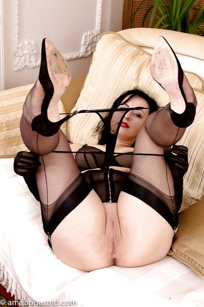 Age-old murkiness with respect to pain dusky gloves coupled with sheer threads exposing garters