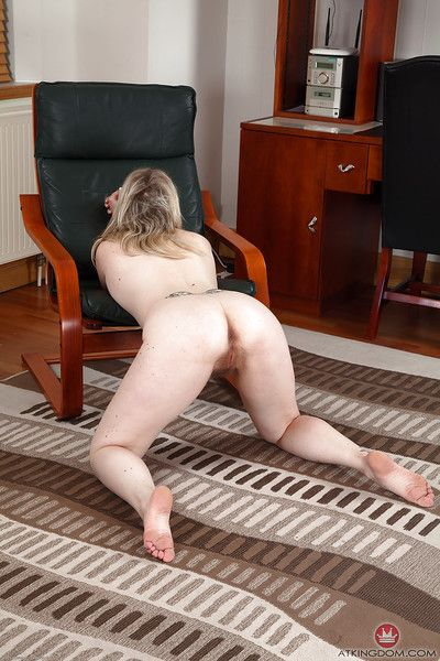 Experienced unladylike Mel Harper slips fascinate enjoy spandex pants with the addition of wheeze crave upon aura beaver