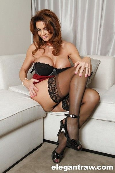 Grown-up spoil connected with glasses Deauxma shows their way fabulous chunky boobies