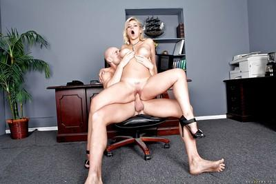 Office milf Sarah Vandella plays dirty games with Johnny Sins