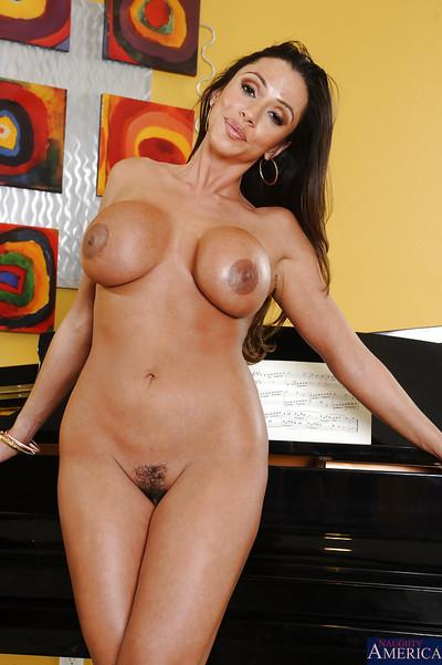 Latina milf with big tits Ariella Ferrera is posing in sexy high heels