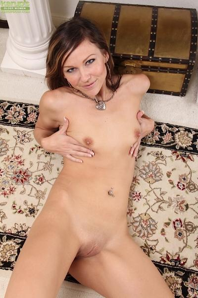 Amy Johnson is very cute and she wants to get naughty right now