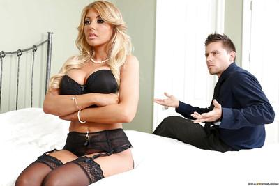 Blonde wife Kayla Kayden takes mouthful of jism from her hubby