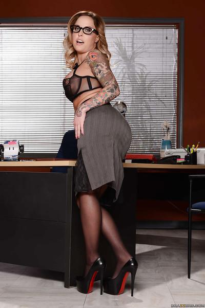 Milf in glasses Payton West gets really naughty in the office room