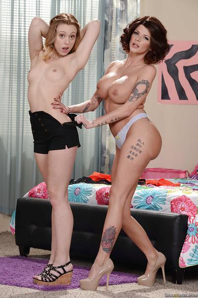 Tall MILF over 30 seduces young kitten for nude lesbian modelling