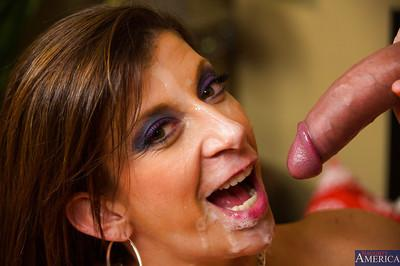 Huge ass brunette milf Sara gets that cumshot right in her mouth