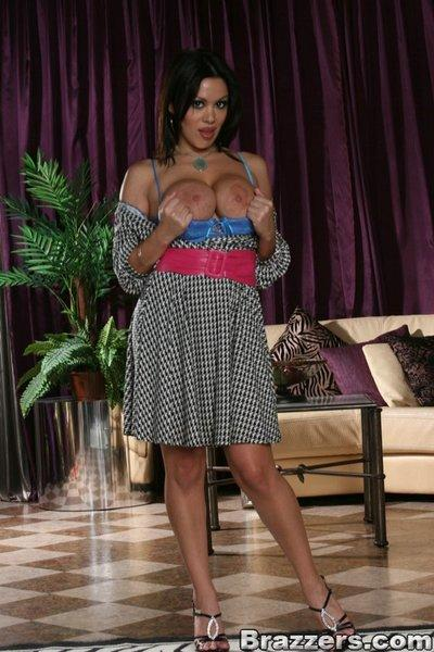 Latina MILF Sienna West shows her perfect big tits and tight ass