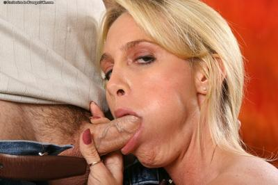 Sultry blonde MILF gives a fervent blowjob and tastes some creamy cum