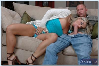 Juggy MILF Vicky Vette enjoys hard twatting and tastes a salty cumshot