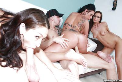 MILF babe Kerry Louise fucking till she gets covered with bukkake