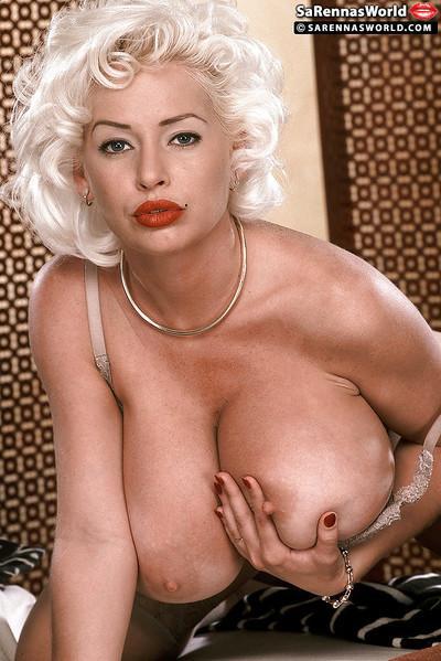 Platinum blonde MILF babe SaRenna Lee posing for vintage pornstar shoot
