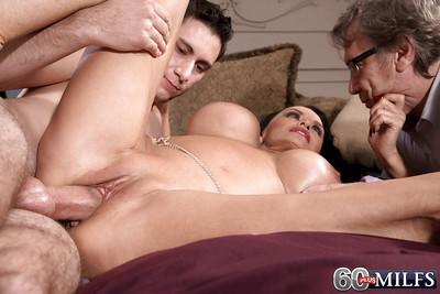Mature brunette MILF Rita Daniels taking anal in MMF threesome