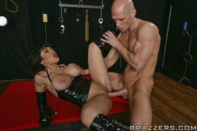 Latina MILF in latex outfit Sienna West gets her shaved cunt boned-up