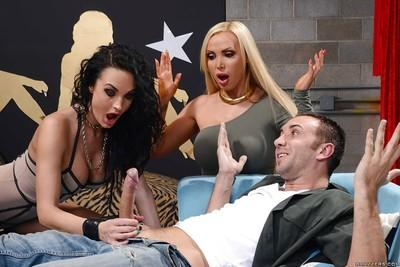 Threesome sex featuring milf pornstar Alektra Blue her friend Nikki Benz