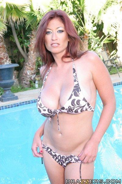 Amazing MILF Lucky Benton takes off her bikini by the pool