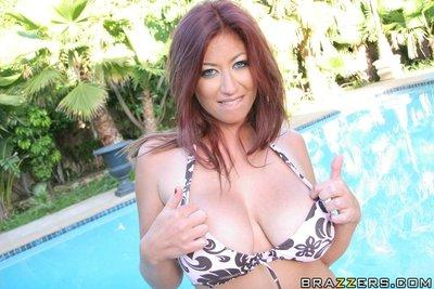 Amazing MILF Lucky Benton takes off her bikini by the pool