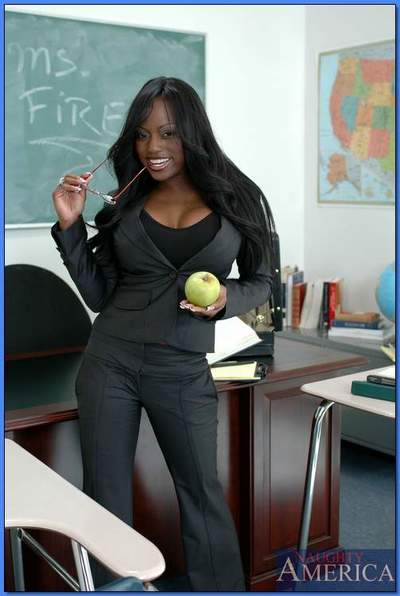 Black MILF teacher Jada Fire revealing smashing assets in class