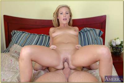 Enchanting MILF hottie Kayla Synz denudes melons and gets fucked hard