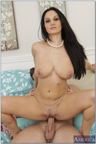 MILF babe with huge boobs Ava Addams stretches her pussy hardcore