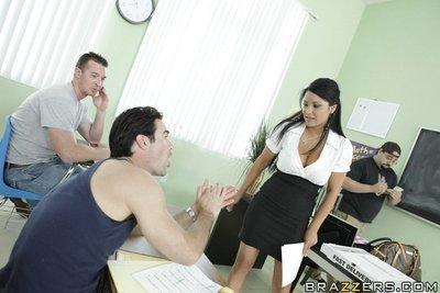 Latin MILF teacher Sophia Lomeli banged in the class by a lucky stud