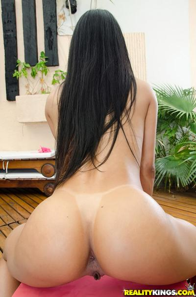 Latina Rebecca Rios can put on a show with just her glorious butt