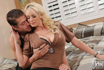 Hardcore fuck of a horny milf pornstar with big tits Stormy Daniels