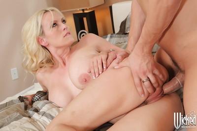 Hardcore fuck of a horny milf pornstar with big tits Stormy Daniels