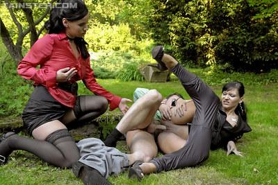 Kinky MILFs Cameron Ferera is into hardcore pissing action with her friends