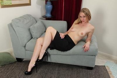 Whenever Ava Michelle is bored she just gets naked and masturbates